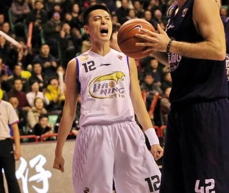杨鸣:困境中晋级季后赛让我很开心