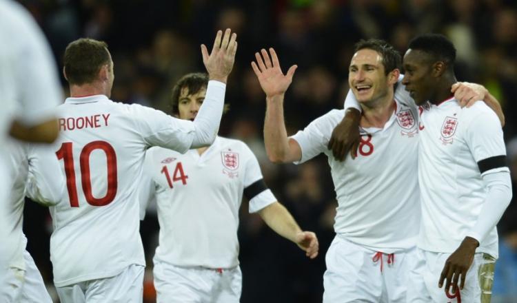 小罗失点鲁尼破门,英格兰2-1巴西