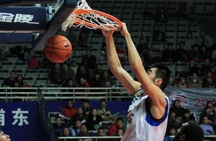 19篮板!张兆旭刷新个人生涯单场纪录