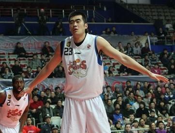 5名球员合同到期,上海队全力挽留张兆旭