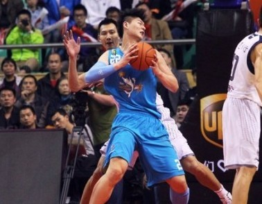 篮协:奥运没带王哲林是个错误