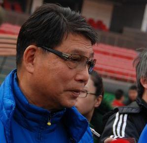 徐根宝:高洪波才是主教练,我只为他出主意