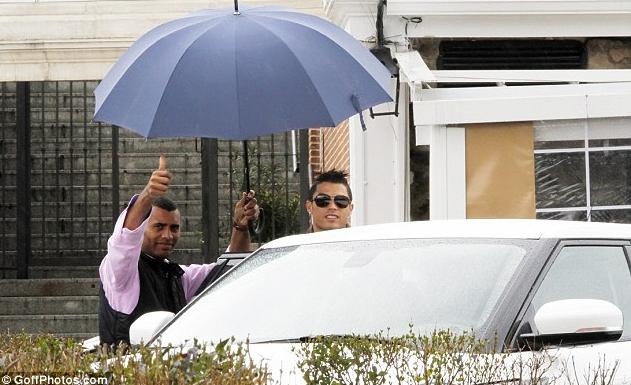 雨伞加太阳眼镜,发胶哥告诉你什么是时尚