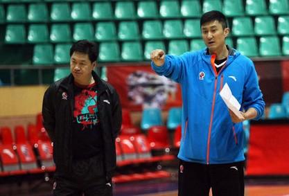 杜锋力挺李春江:没必要质疑他的执教风格