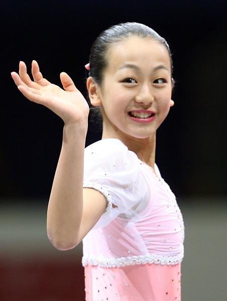浅田真央抵达世锦赛会场,称不惧金妍儿