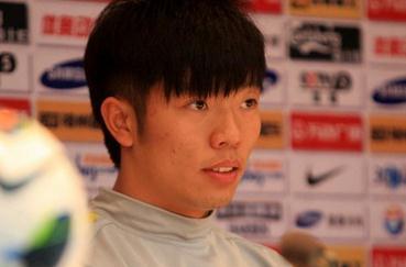 张稀哲:回武汉用心踢比赛,理解京汉恩怨
