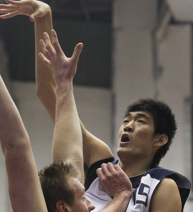 东莞2米20中锋代表江苏打全运会