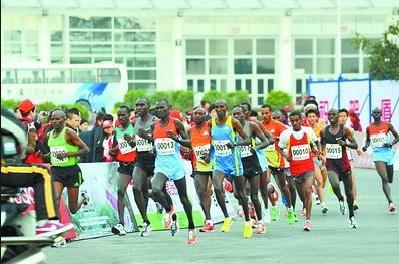 厦门国际马拉松报名人数超7.7万人