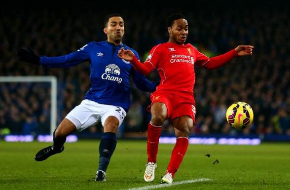 卢卡斯伤退亨德森染黄,利物浦0-0埃弗顿