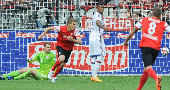 官方:弗赖堡签下不莱梅前锋彼得森