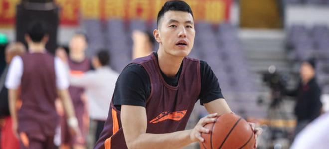 翟晓川:脚伤有影响但能坚持比赛