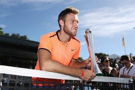 索克在奥克兰夺得赛季首冠