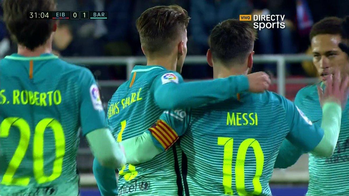GIF:丹尼斯-苏亚雷斯远射为巴萨首开纪录!