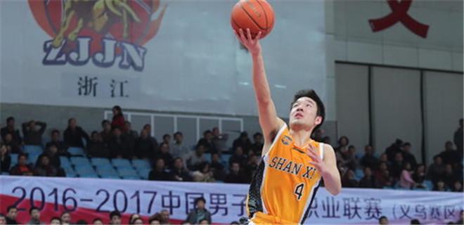 王洪砍20分创职业生涯新高