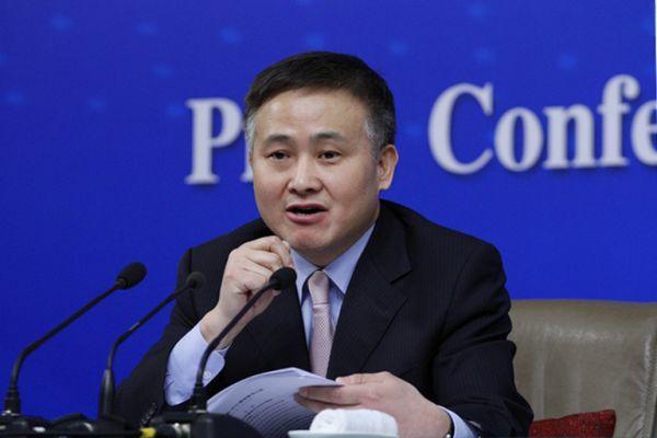 """央行副行长:有些企业收购外国俱乐部是""""异常""""行为"""
