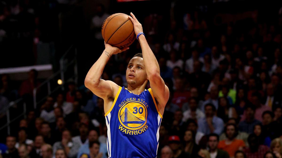 庫裡單賽季命中268個三分,NBA歷史第六