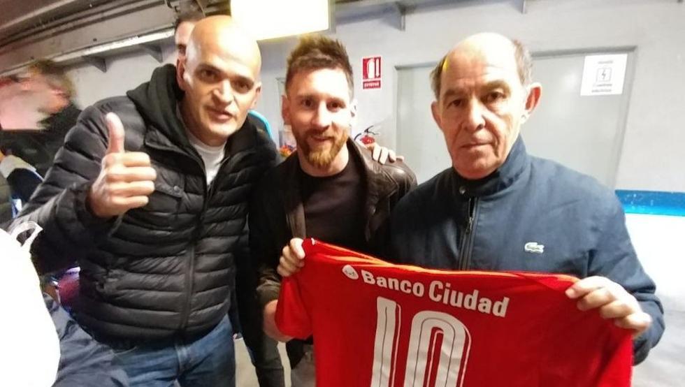特别的来访,阿根廷名宿博奇尼造访诺坎普看望梅西