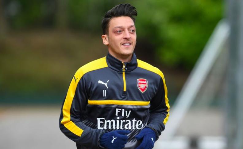 厄齐尔:赛季结束会有谈判,在阿森纳很开心