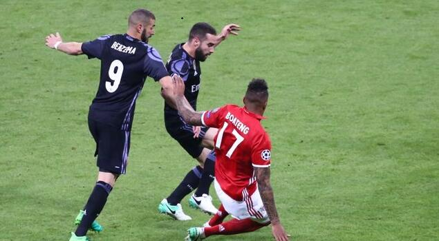 半场:比达尔破门失点,拜仁1-0皇马