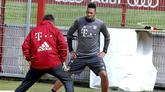 图片报:博阿滕哈马进行沙地训练,备注德国杯