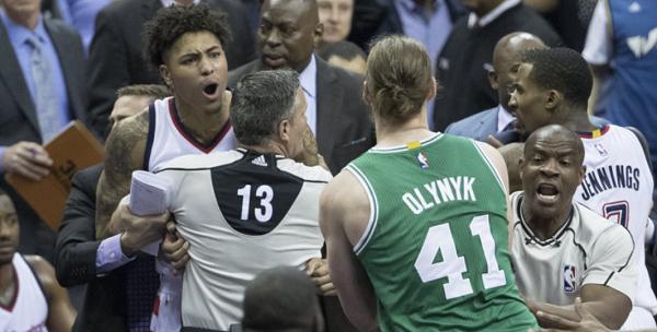 小托马斯:奥利尼克并不是如外界指责的那样_虎扑NBA ...