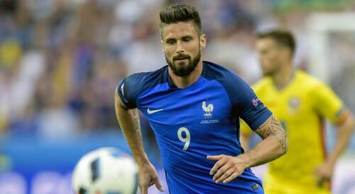 德尚:吉鲁是法国队最好的前锋,他用行动回击了质疑