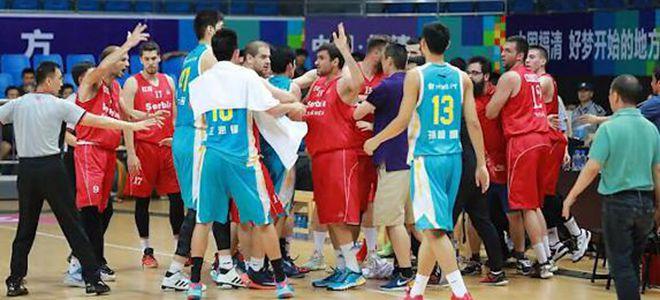 福建队与塞尔维亚球队热身赛中发生肢体冲突