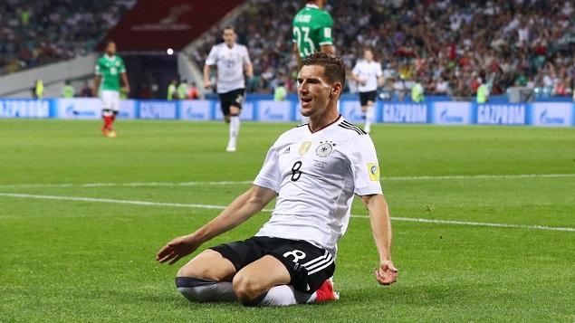 格雷茨卡双响维尔纳尤尼斯破门,德国4-1墨西哥晋级决赛
