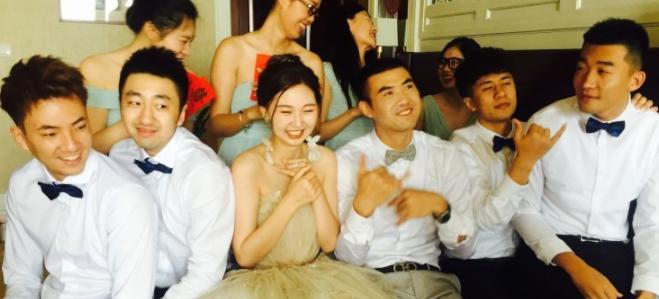 丁锦辉夫妇举行婚礼,于澍龙曹飞等前队友任伴郎