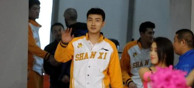 上海大鲨鱼官方宣布签约罗智+续约曾文鼎