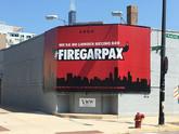 公牛球迷在风城打广告:解雇福尔曼和帕克森