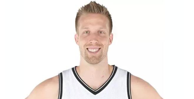官宣:北京队签约前NBA中锋贾斯汀-汉密尔顿