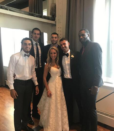 拉文和威金斯等人出席森林狼助教小桑德斯的婚禮