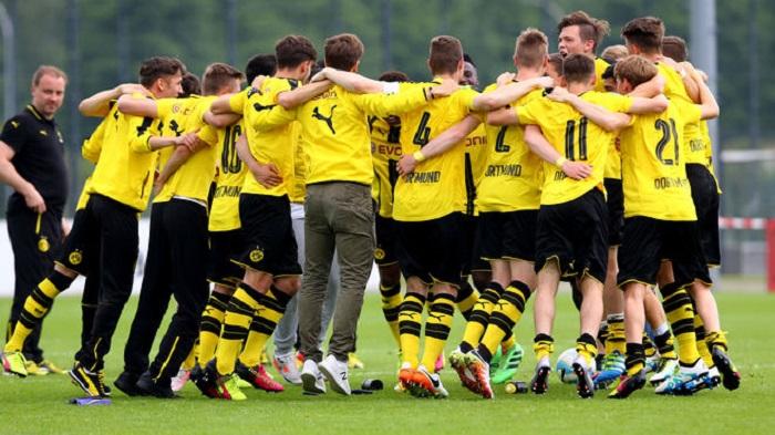德国联赛u17_英雄出少年!多特蒙德12岁小将为U17梅开二度_虎扑国际足球新闻