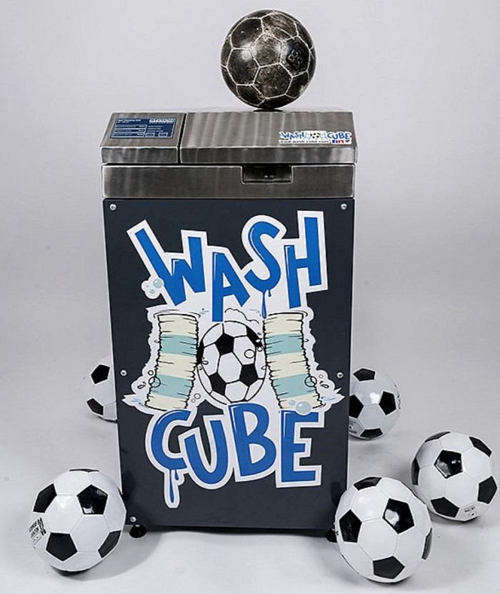 技术革新!勒沃库森尝试用机器清洗足球