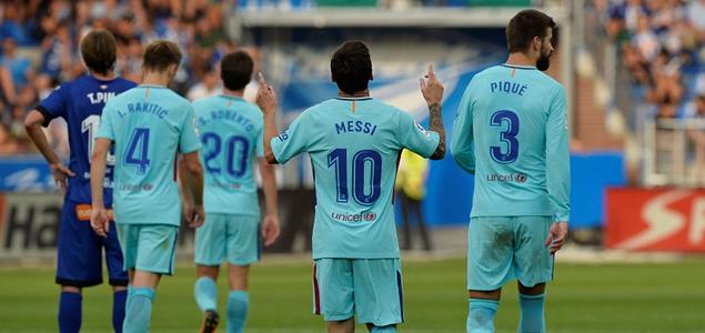 梅西失点后双响,巴萨2-0客胜阿拉维斯