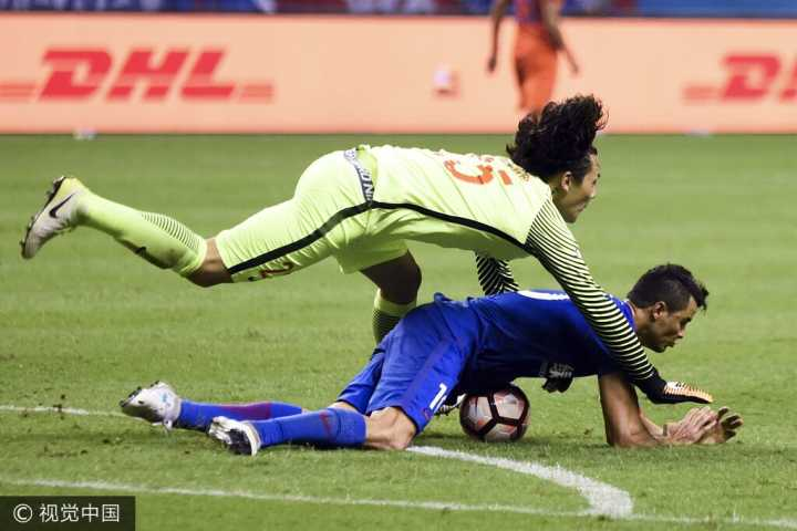王大雷:没赢下比赛很可惜,球迷静坐没什么不对