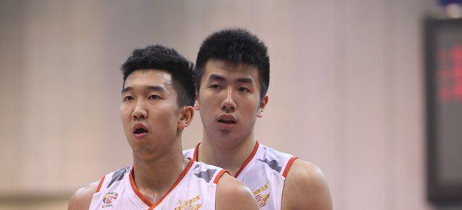 邹雨宸、曹岩将代表八一队参加CBA新赛季体测