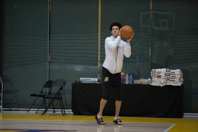 卢克-沃顿:不会插手改变鲍尔的投篮姿势