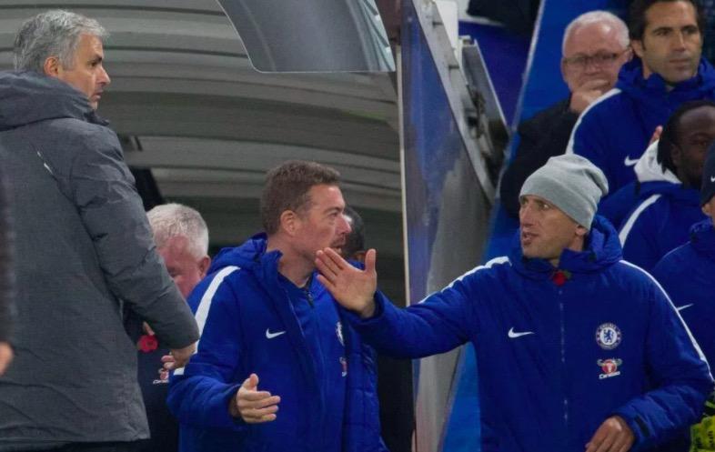 穆里尼奥笑谈没和孔蒂握手:你想让我追他到场中央吗