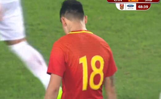GIF:时运不济!郜林补射击中门将后背弹出底线