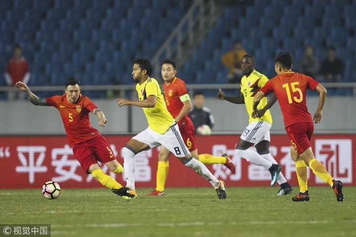 半场:帕尔多闪击武磊造威胁,国足0-1哥伦比亚