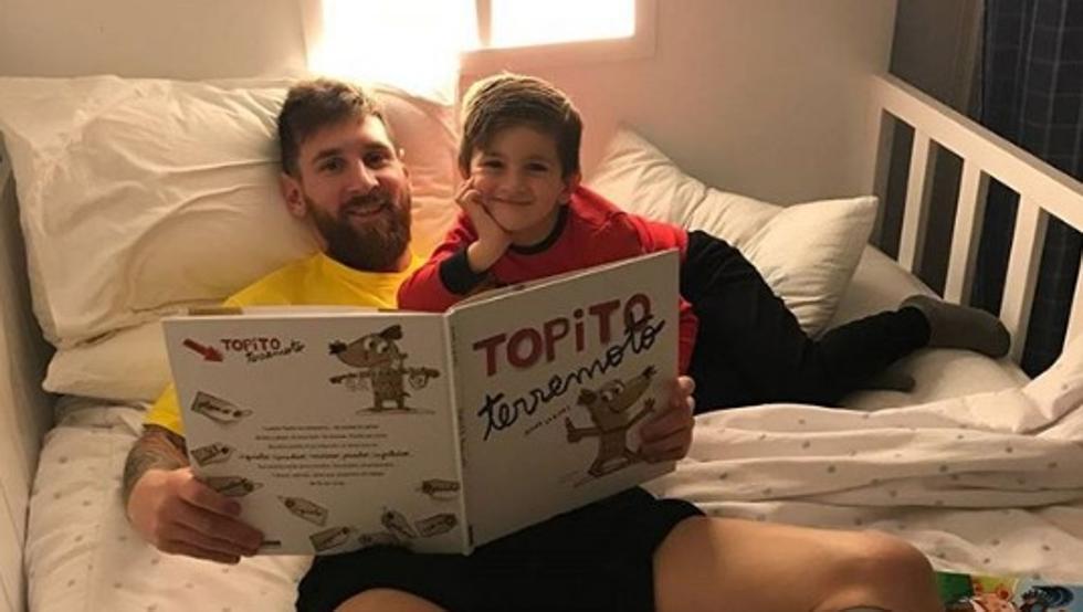 父爱满满!梅西陪伴蒂亚戈,为其讲童书故事