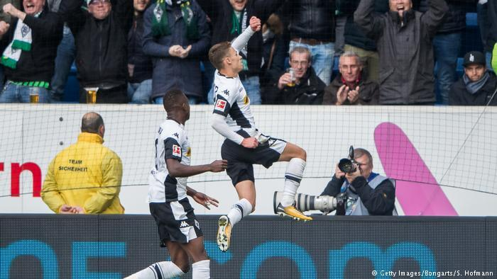 GIF:小阿扎尔点球命中,门兴1-0拜仁