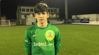 青训得利,爱尔兰14岁门将上演一线队首秀