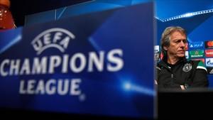 葡萄牙体育主帅:会根据梅西是否上场准备两套方案