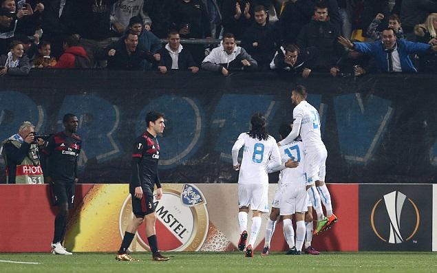 库特罗内失良机,AC米兰客场0-2里耶卡无碍头名晋级