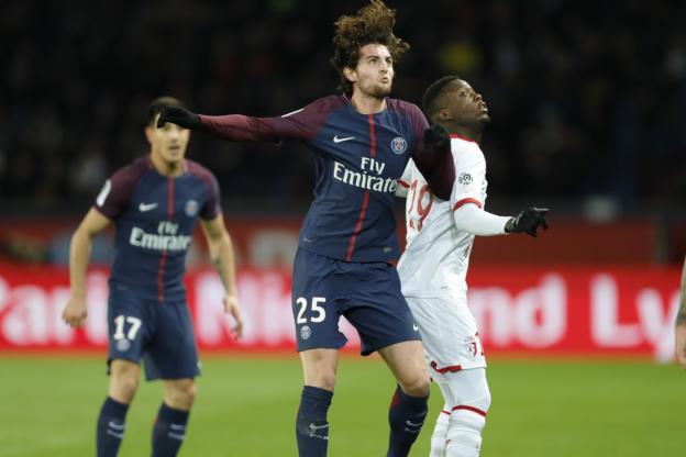 中场拉比奥本轮联赛受伤,巴黎后腰位置捉襟见肘