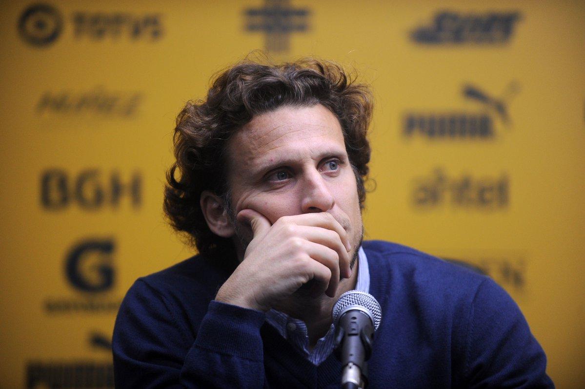 官方:乌拉圭球星弗兰加盟香港杰志足球俱乐部