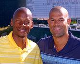 雷-阿伦和肖恩-巴蒂尔一起参加慈善扑克锦标赛